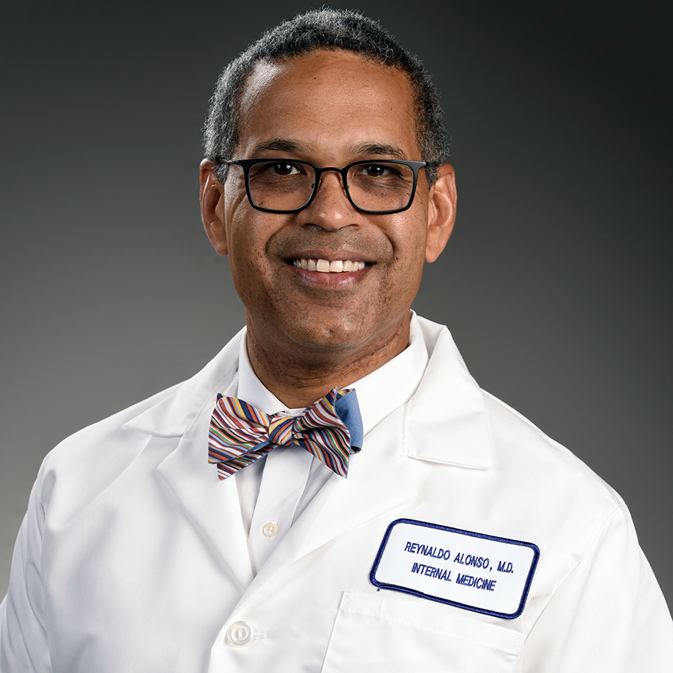 A headshot of Reynaldo H. Alonso, MD